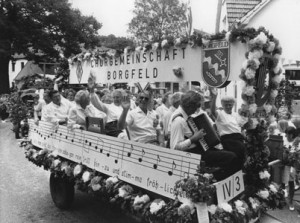 Bild 17: Festwagen zur 750-Jahr-Feier Borgfelds